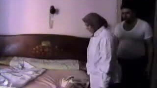 Kocasını Aldatan Türbanlı Kameralara Yakalandı